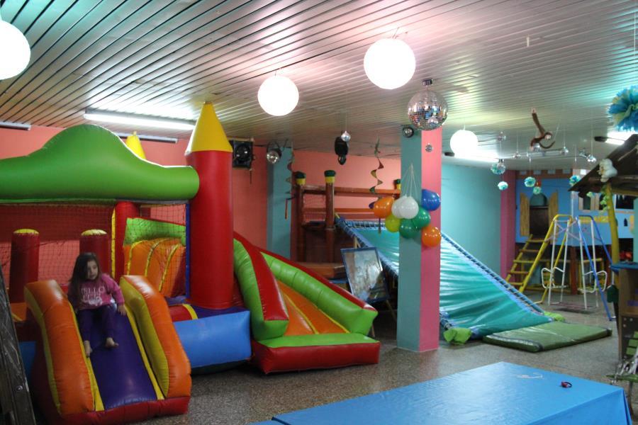 C sal n de fiestas infantiles tierra for Salones economicos
