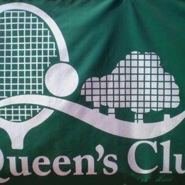 CLUB QUEENS