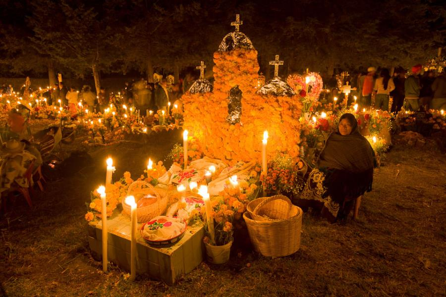 Celebración Día de los Muertos en la Cripta