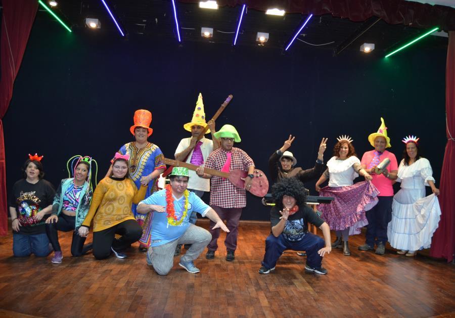 """Grupo Teatral Talentos Especiales Presenta: """"La Cofradia"""""""