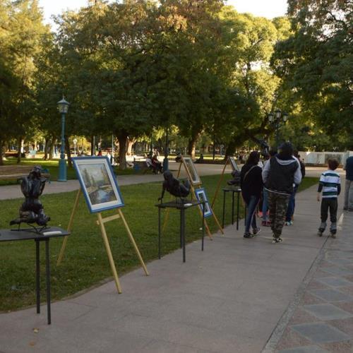 Pintura, Poesía y Escultura en la Plaza