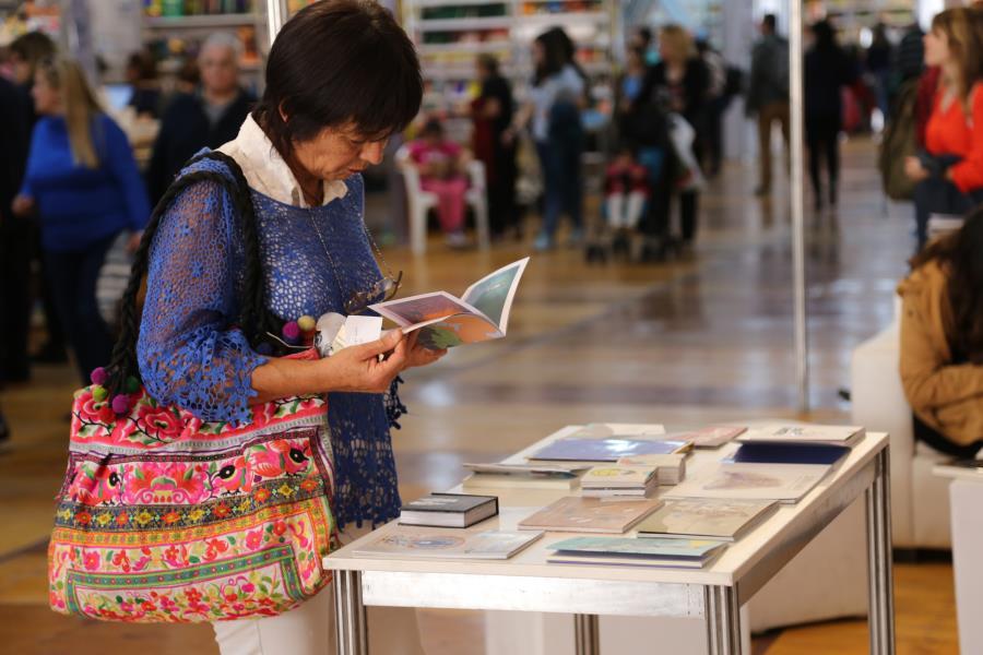 Charla Letras itinerantes, con Esmeralda Canga, Cristina Bellisonzi y Adriana Magalevsky.