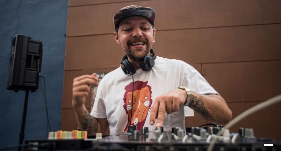 Taller de iniciación a la música electrónica y a las técnicas de DJ