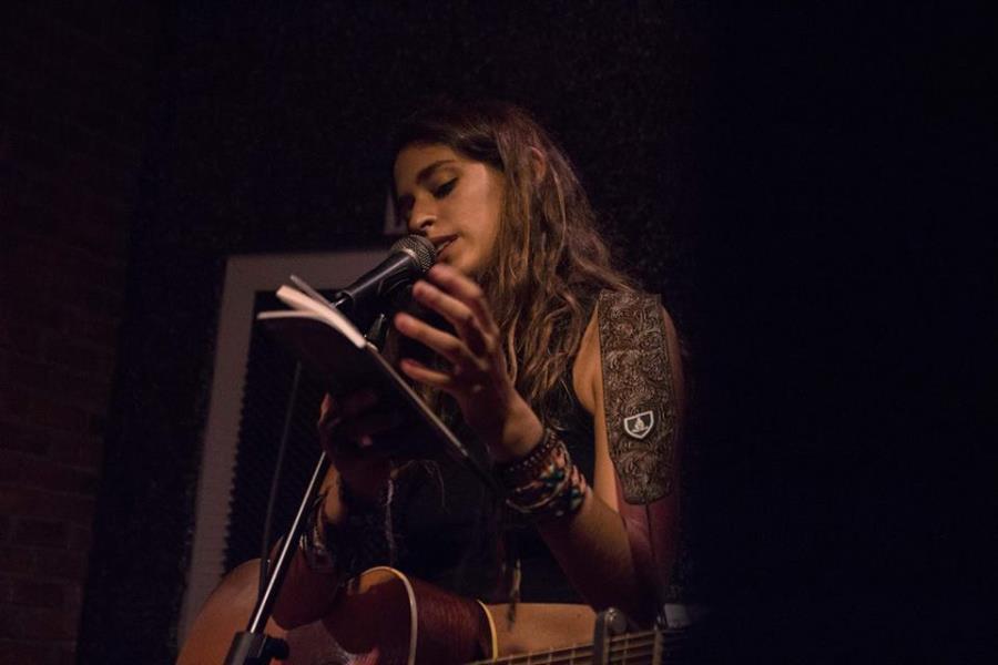 Lena Carrilero (España) en Gondwana Bar Cultural