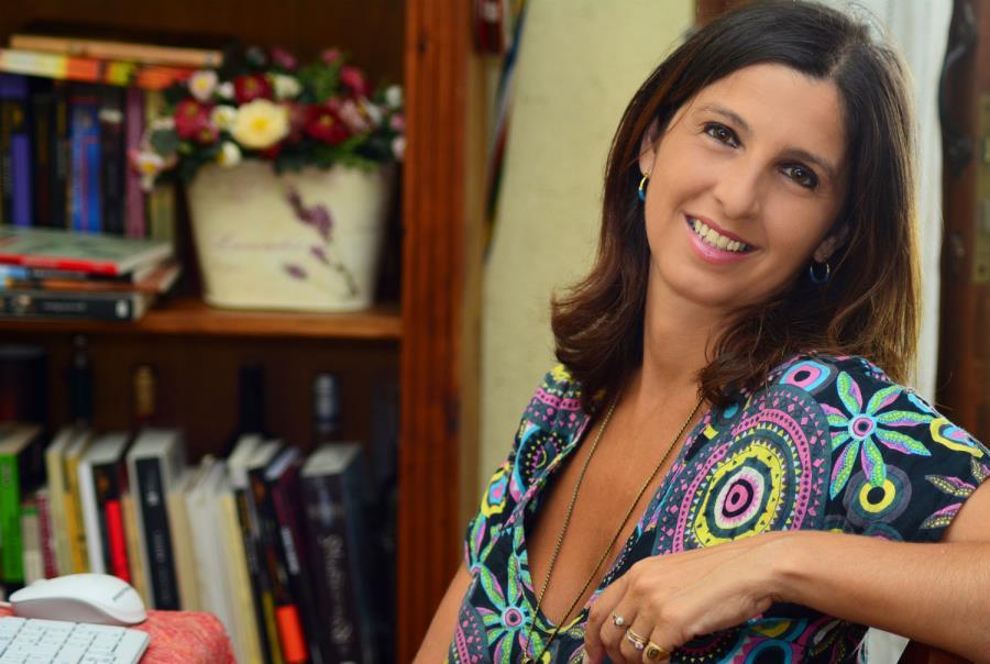 Charla inaugural. Diálogo abierto de Fernanda Pérez (curadora de la edición 2019) con la escritora Perla Suez.