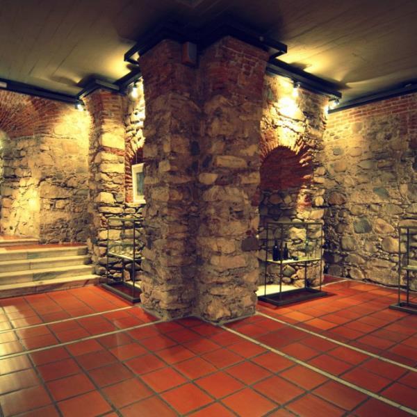 Museo Cripta Jesuítica del Noviciado Viejo