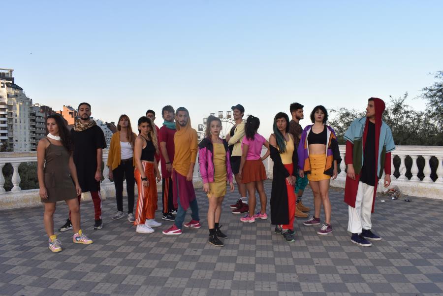 Presentación del elenco de Danza Teatro