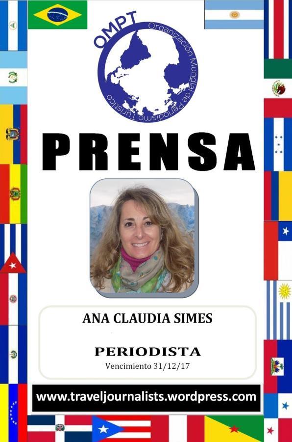 Ana Claudia Simes